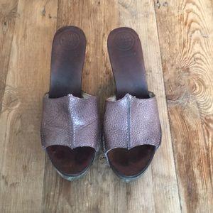 Max Studio brown pebbled leather heels/clogs